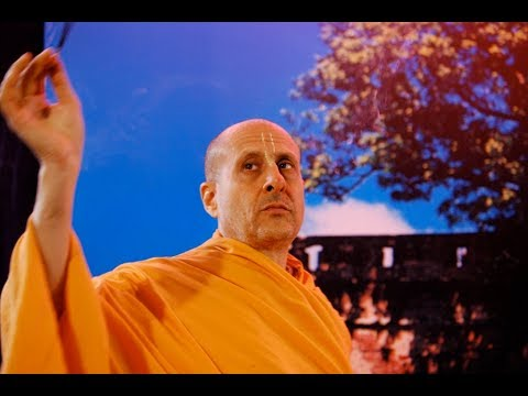 Offering to HH Mahavishnu Goswami Maharaj - Radhanath Swami ISKCON Chowpatty on 12-01-25