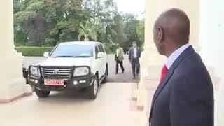 FORMER US PRESIDENT OBAMA MEETS PRESIDENT UHURU KENYATTA IN STATEHOUSE NAIROBI.