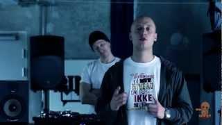 Baixar Pede B feat. Dj Noize - Dumspiller (Over Askeskyen ude 21. Maj)