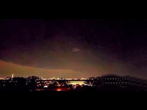 OVNI en forme de pyramide au dessus du Pentagone