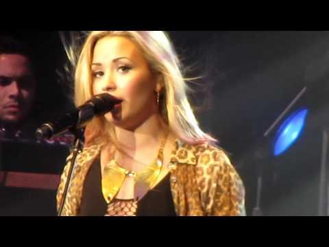 Demi Lovato - Lightweight Live in Toronto July 3rd @ The Molson Canadian Amphitheatre