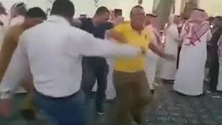 رقص شباب مصري ف السعوديه 😂😂😂