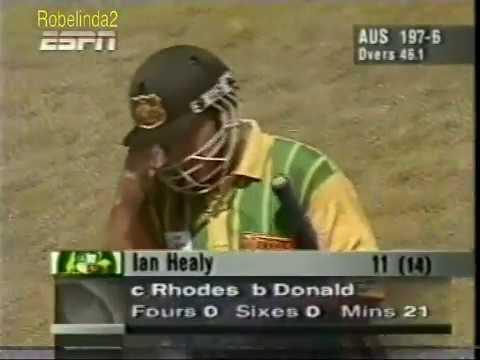 The forgotten Jonty Rhodes *miracle catch*...