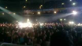Robbie Williams - We Will rock You. Live @ Riga. Latvia