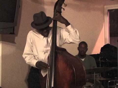 Steve Neil Amazing Bass Solo