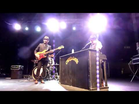 Chas & Dave - Rabbit, Ain't No Pleasing You, The Sideboard Song, Newcastle 23/05/15.