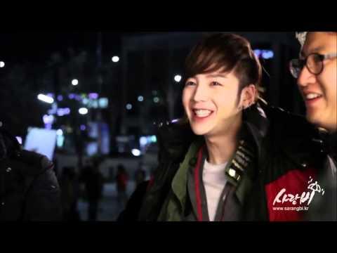 2012 04 23 YoonA+KBS2+Love+Rain+Making+Film+3+Fountain+Kiss
