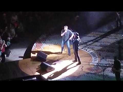 Blake Shelton & Trace Adkins Performing Hillbilly Bone In Des Moines, IA On 03/14/2019