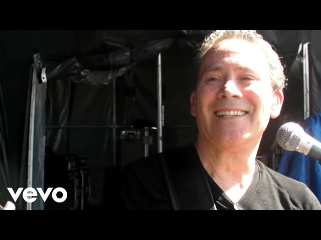 UB40 - Blue Eyes Crying In The Rain Travel Video
