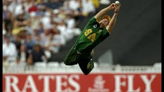 Video Top 10 Best Fielders Of All Time in cricket download MP3, 3GP, MP4, WEBM, AVI, FLV April 2018