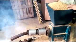 видео Пресса для брикетирования опилок
