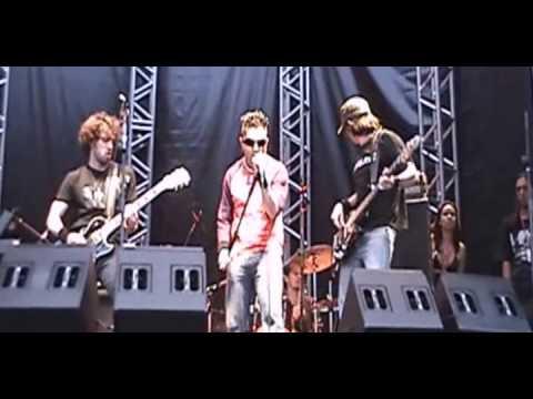 Código B - BYOB (System Of a Down Cover) - Pop Rock Brasil 2005
