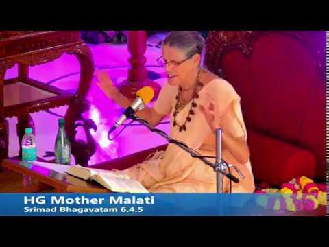 HG  Malati devi dasi (ACBSP) giving class at Sri Sri Radha Madan Mohan temple, Ujjain