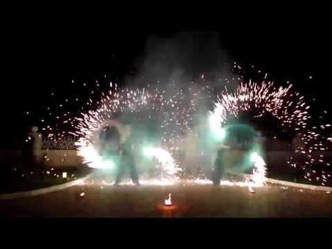 Видео: Огненное шоу от Fire Spirit