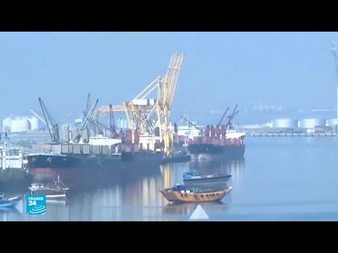 مبادرة أممية لحل أزمة مدينة الحديدة وموانئها..هل يوافق عليها المتفاوضون في السويد  - نشر قبل 31 دقيقة
