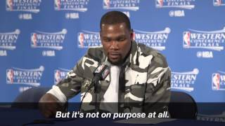 Durant defends Aldridge after stepping under his jump shot