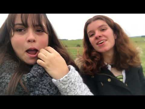 VLOG II: The One Where She Goes to Bath and Stonehenge