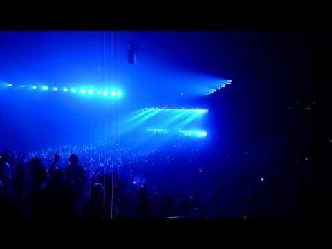 Calvin Harris - I'm Not Alone (Tiesto Remix) Live at Melbourne Hisense Arena 6th Feb 2010