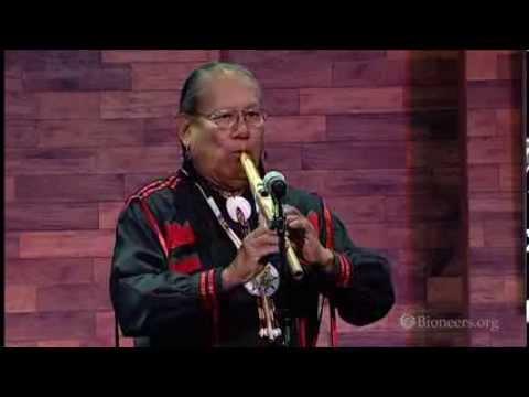 R. Carlos Nakai | Eröffnungsperformance | Pioniere