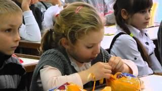 Детвора в школе №43 получила сладкие подарки ко Дню Святого Николая(, 2014-12-20T19:59:51.000Z)