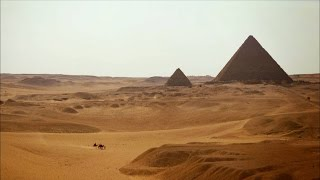 Smithsonian: Shining Pyramids in Giza thumbnail