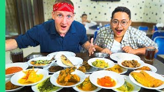 Traditional Jakarta Street Food You Must Try! Nasi Padang and Jakarta's BEST Fried Rice!
