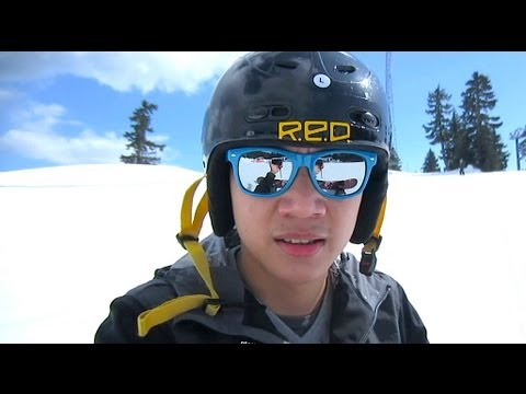 Vlog #2 : Snowboarding on Grouse Mountain - Vancouver (3/28/13 - 3/30/13)