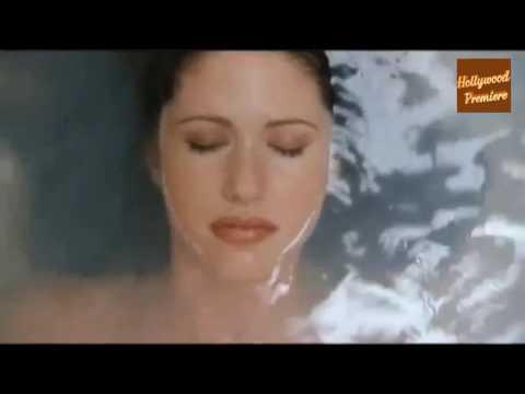 Shannon Elizabeth Attacked By Snowman In The Bath