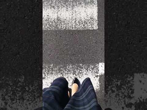 パンプスで横断歩道を渡ってみた