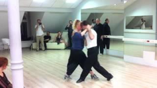 Tango. Ревью с урока оригинальные смены направлений. Elvira y Alex.