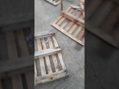 how-to-build-a-pallet-wall.-super-easy!!!