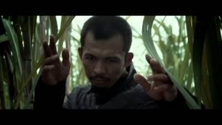 東南アジアの格闘術「シラット」の使い手による迫力のアクションを描く...