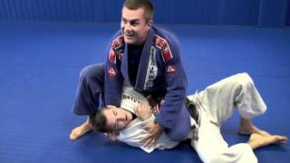 Draculino shows a sneaky Samurai choke that is incredible tight and...