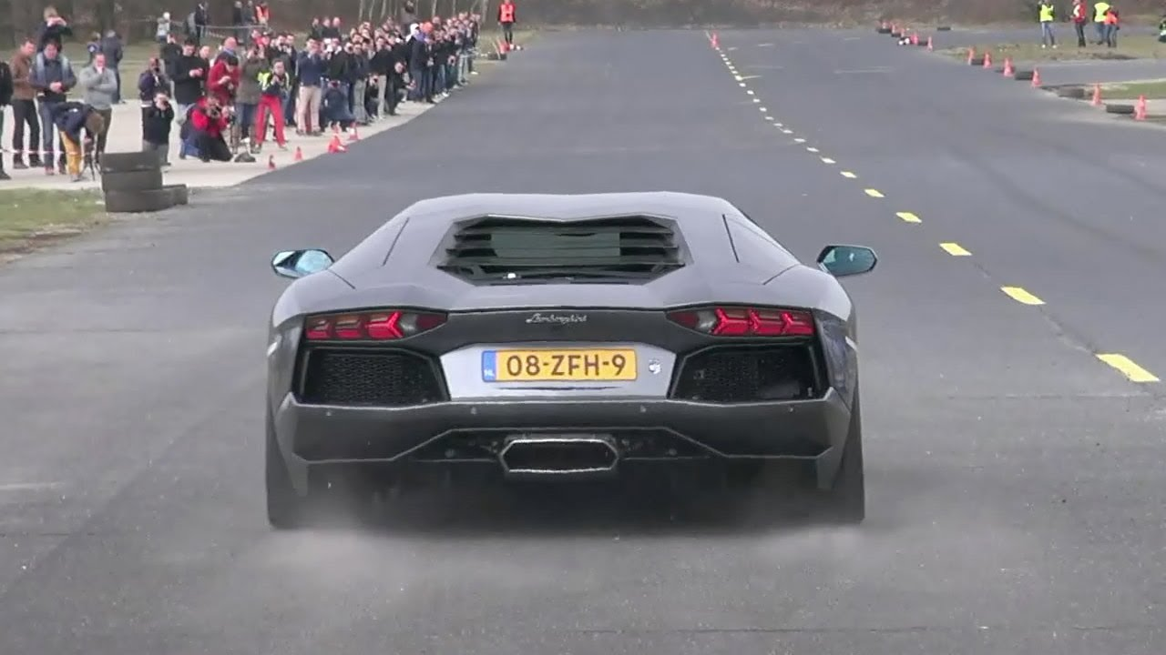 Lamborghini Aventador Lp700 4 Dragracing On A Closed Airfield