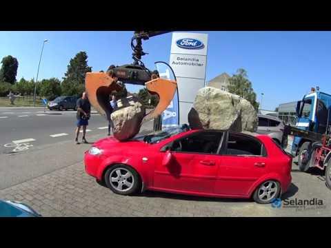 Det er simpelthen for dumt det her - Men vi tager stadig din bil i bytte! - YouTube