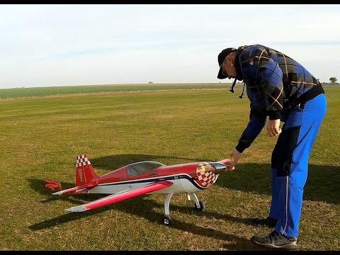 Great Planes Extra 300S Patty Wagstaff M 1:4 mit MVVS45 Erstflug