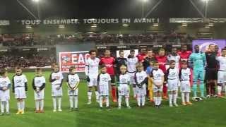Superbe Marseillaise au stade de Roudourou, à Guingamp