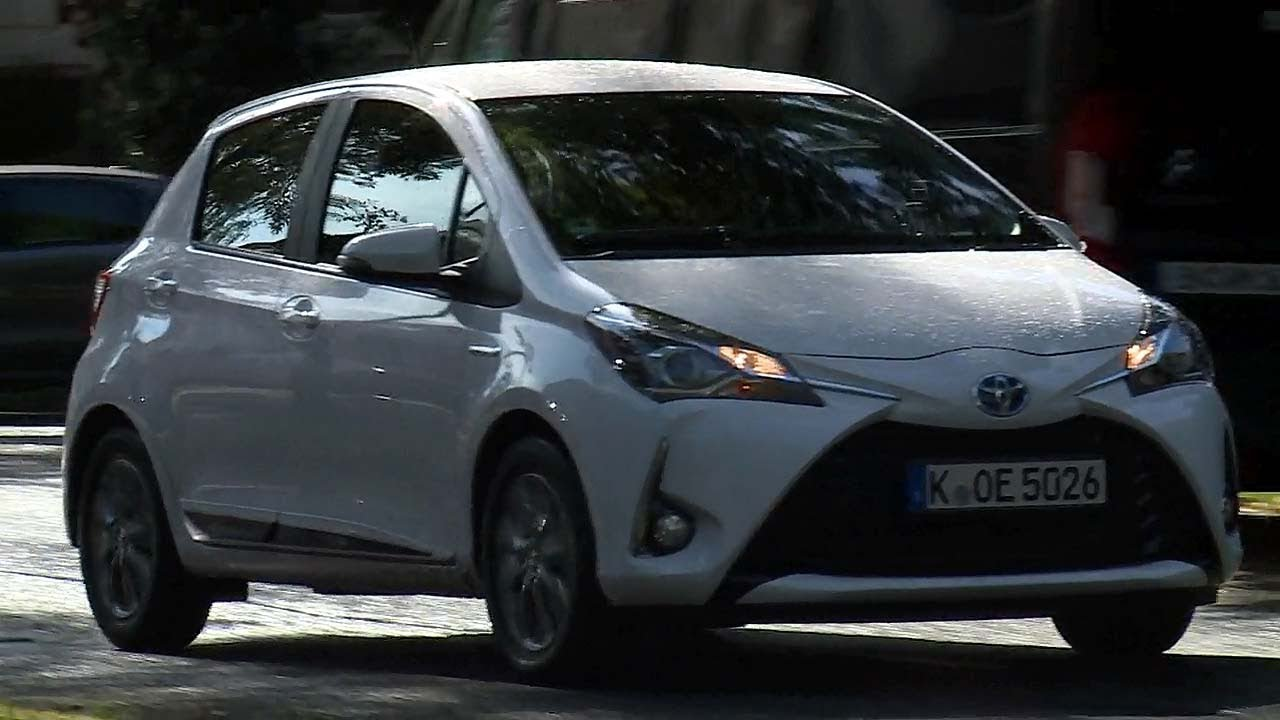 Toyota Yaris Hybrid Youtube