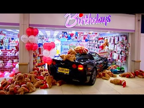 Shopping Centre Chase & Beach Assault HQ - Top Gear: Series 12 - BBC