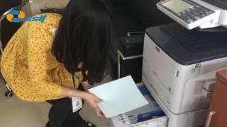 Impresora con papeles de seguridad para documentos confidenciales