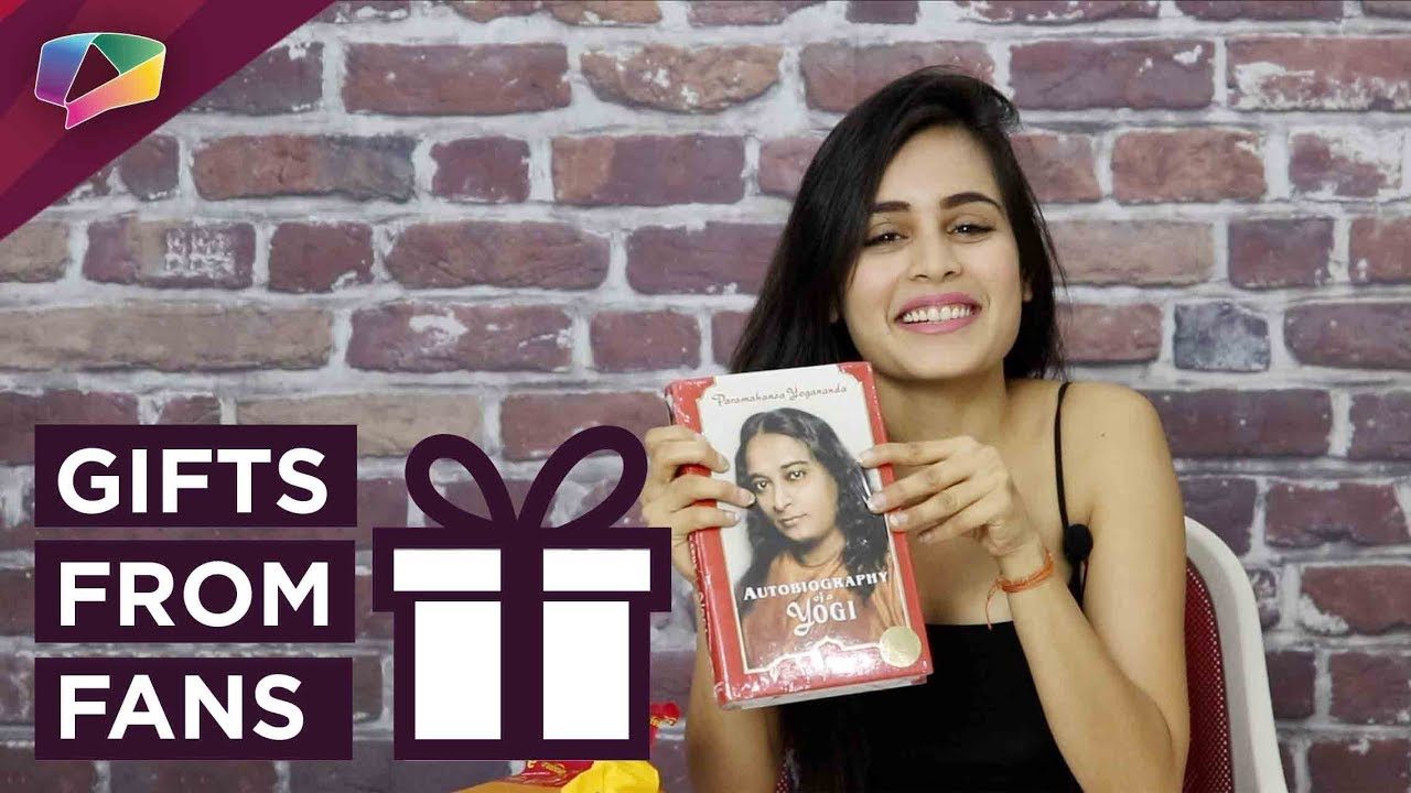 Rhea Sharma Receives Gifts From Her Fans | Exclusive