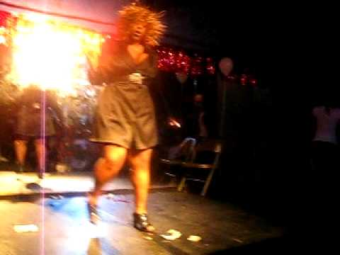 PEACHES AT CLUB ELM AND PEARL