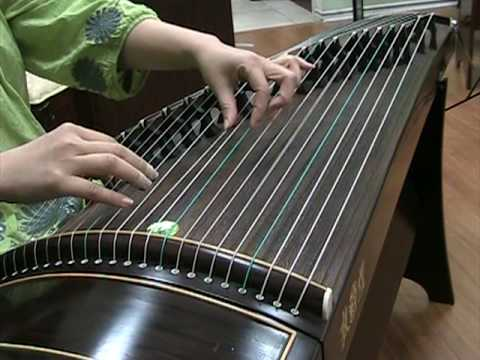 "Guzheng: ""Spring River Flower Moon Night"" 古筝 - 春江花月夜"