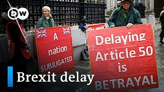 UK parliament votes to delay Brexit | DW News