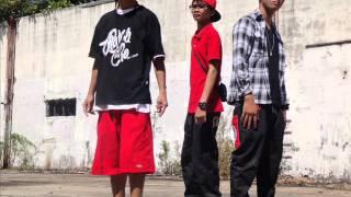 Repeat youtube video takatakbo - L3D ( playaz production )