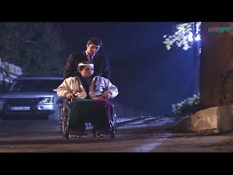 Polat, Hikmet'in Tekerlekli Sandalyesini Aşağı Itiyor! (Sinegraf)
