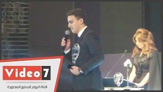 أحمد السقا يفاجئ حضور