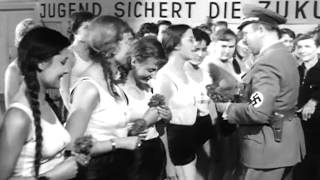 Nachts wenn der Teufel kam (1957) - Gifts for the girls