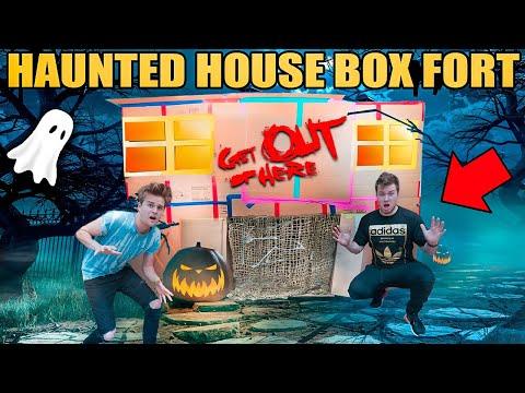 BOX FORT HAUNTED HOUSE!!  Scariest Haunted House 3:00 Am Box Fort!
