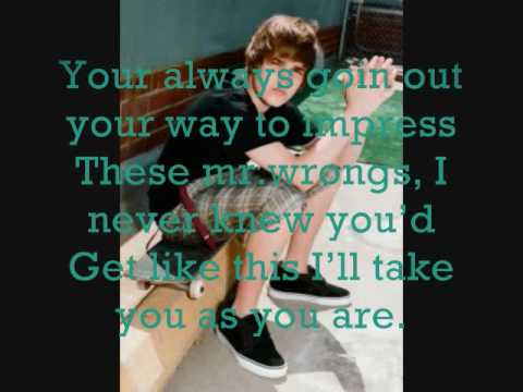 Favorite Girl-Justin Bieber + Lyrics ( Acoustic Version )
